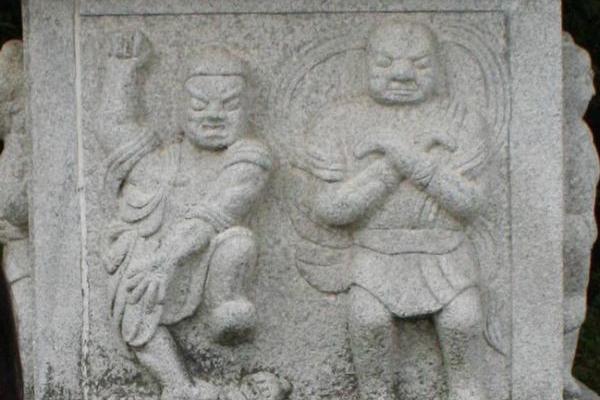 [Image: gangnam-style-temple.jpg]