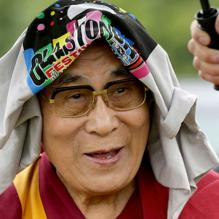 dalai-lama-glastonbury-2015
