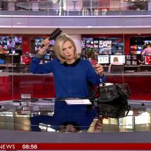 BBC-carole-walker-escovando-cabelo