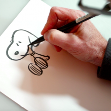 snoopy-desenhando